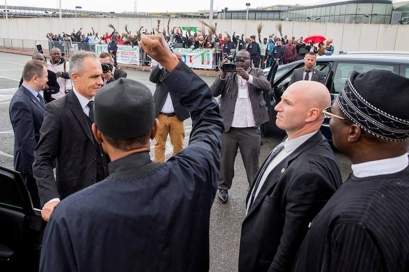 President Muhammadu Buhari waving to APC France Association