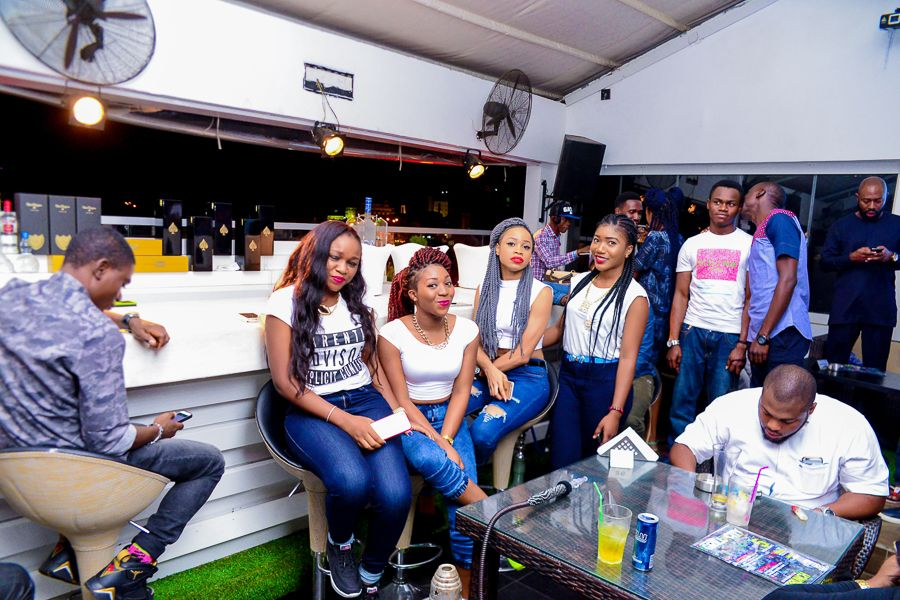 Grill At The Pent Abuja White and Denim Edition - Bellanaija - September016