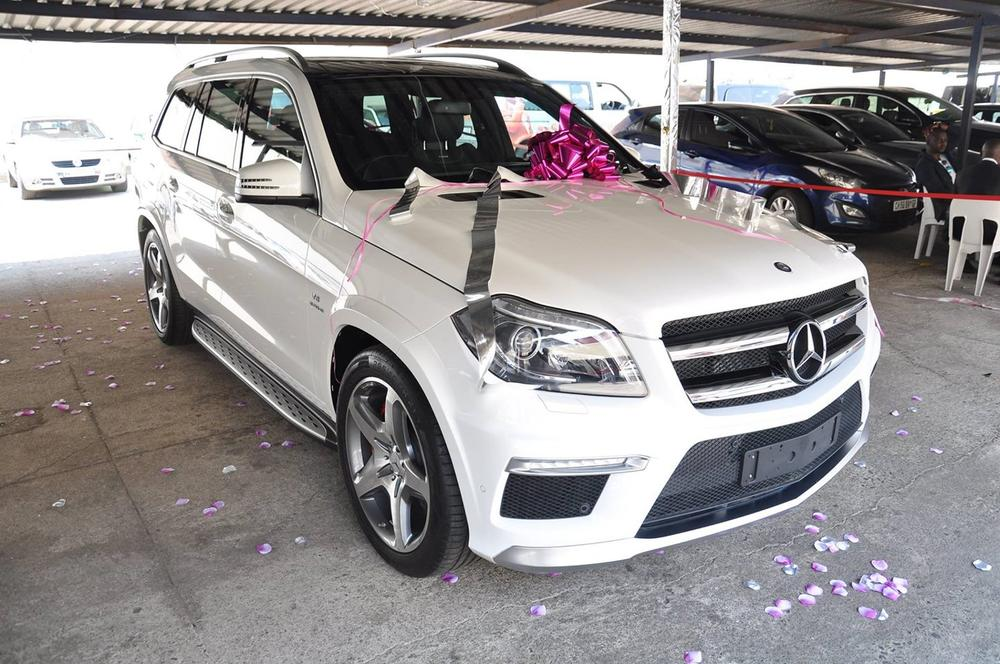 South african music star gifts mercedes benz gl 63 amg to for Mercedes benz gifts