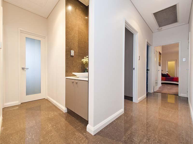 JabisodTips for Home Improvement: Skirting Boards vs Ceramic Tiles ...