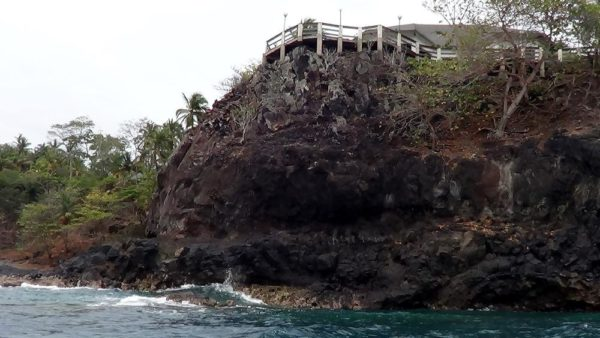 A typical water-front home built on elevated sticks, on rocks in Santana.
