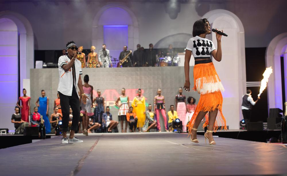 PATORANKING & SEYI SHAY PERFORMING
