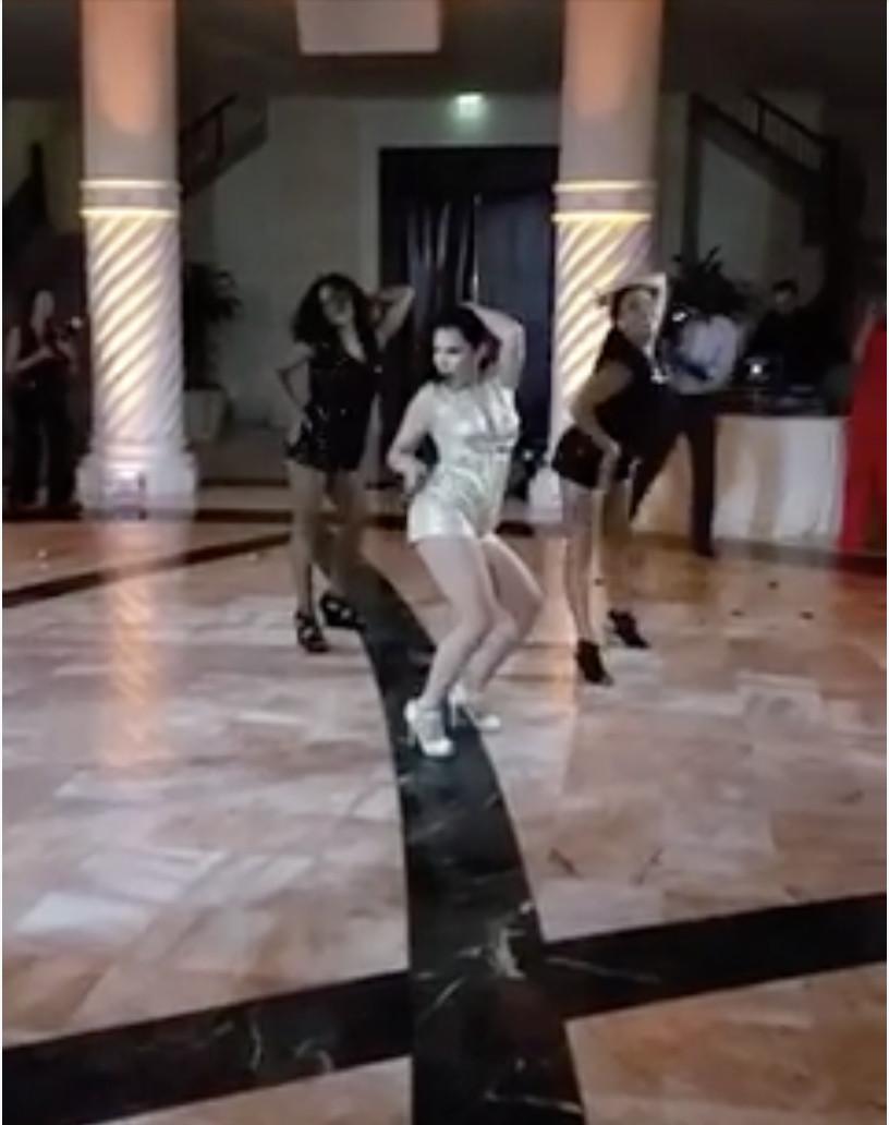 Renata Bresciani - Bride and Bridesmaids Dance