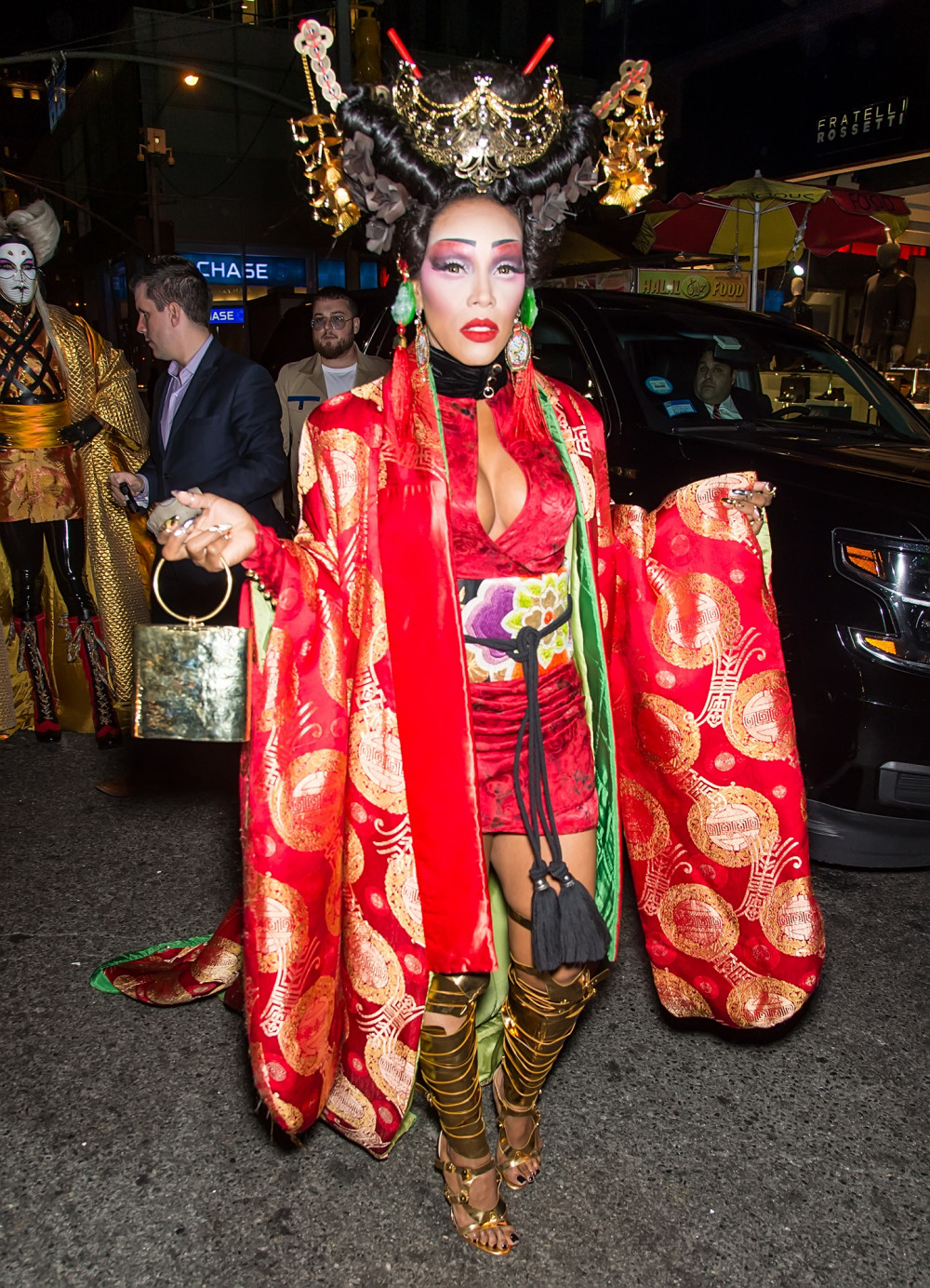 Scary Halloween Costumes from your fave Celebs | Jennifer Lopez ...
