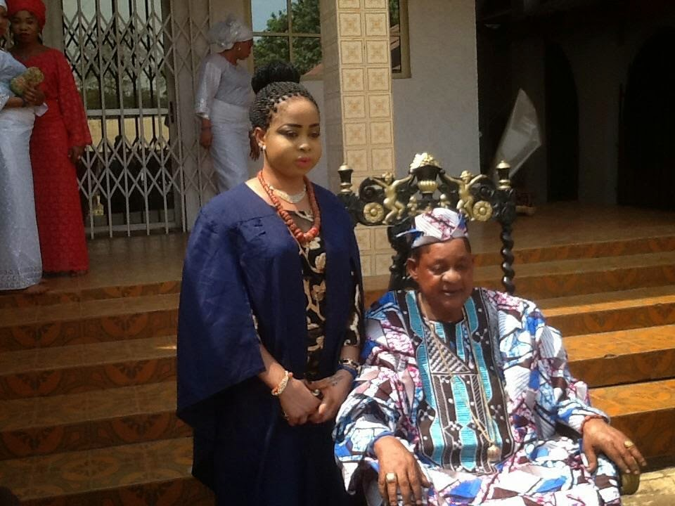 Alaafin of Oyo Oba Lamidi Adeyemi III 2015 with Olori Badirat Adeyemi 1