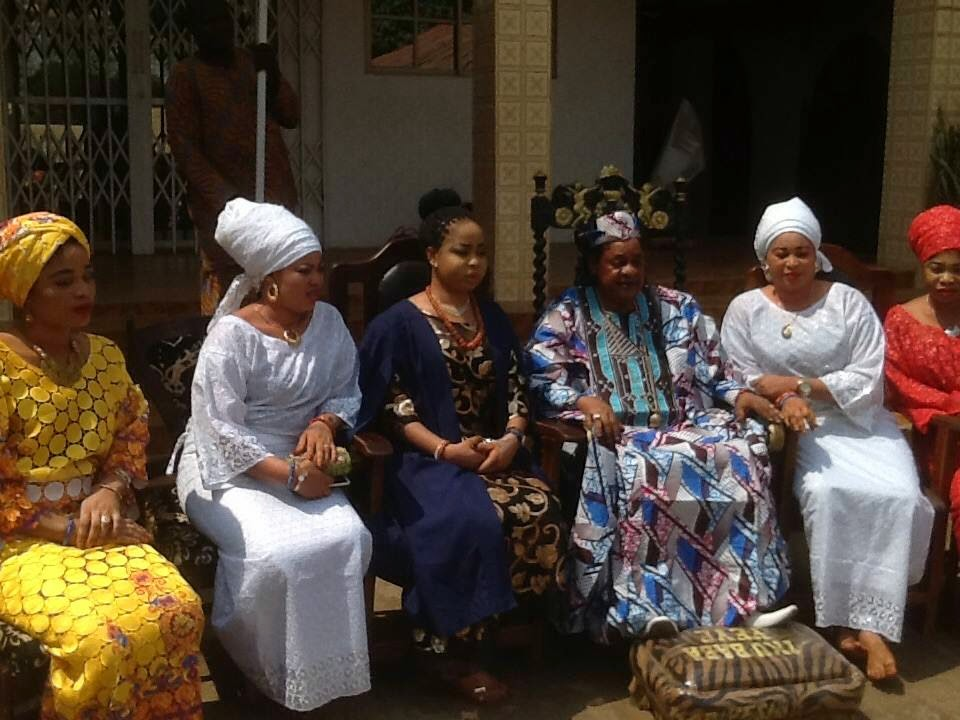 Alaafin of Oyo Oba Lamidi Adeyemi III 2015 with Olori Badirat Adeyemi 2