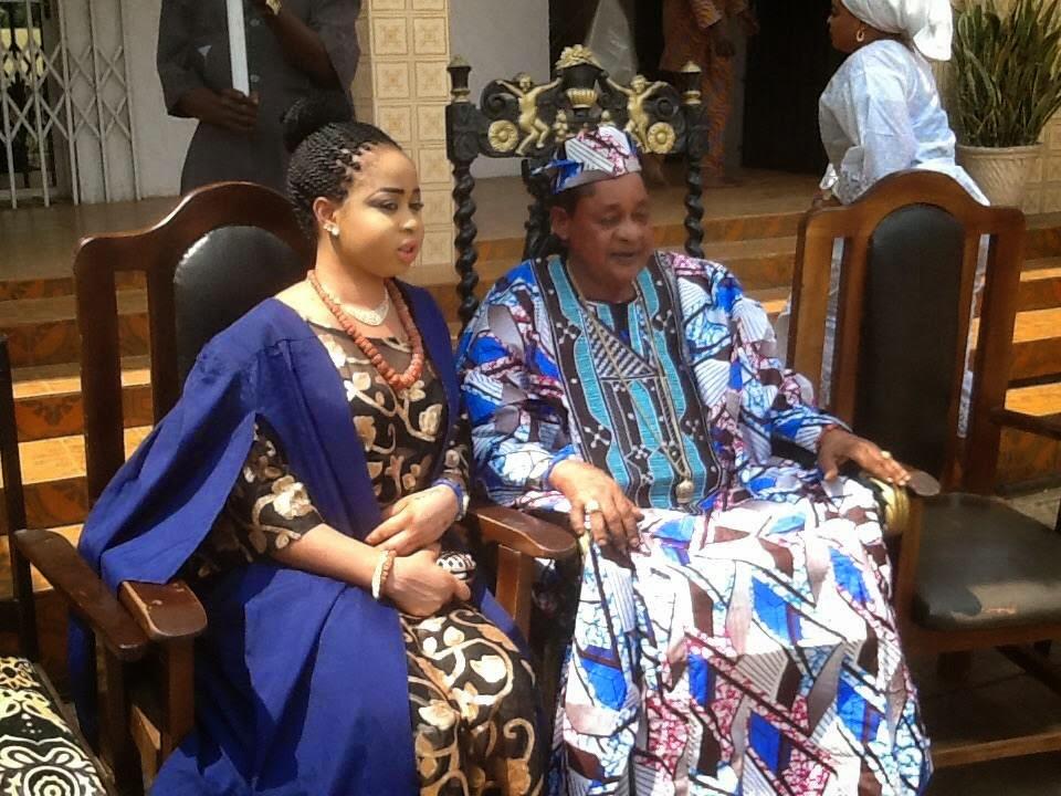 Alaafin of Oyo Oba Lamidi Adeyemi III 2015 with Olori Badirat Adeyemi 3