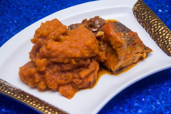 Asaro Yam Pottage with Stewed Fish and Pepper Sauce