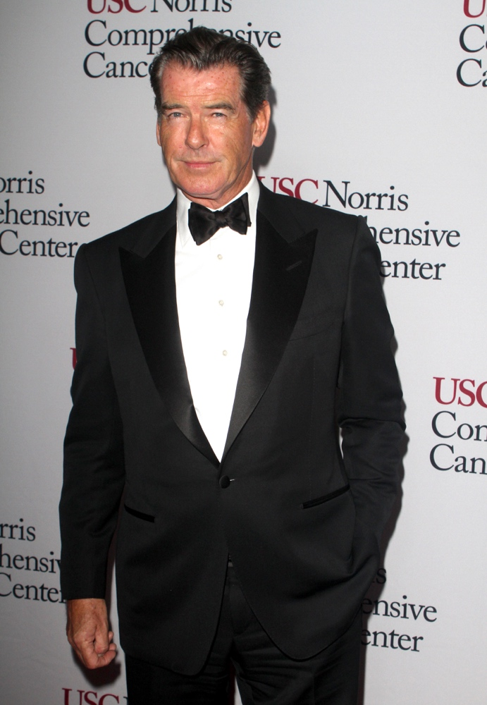 BEVERLY HILLS, CA - OCTOBER 10: Actor Pierce Brosnan attends the USC Norris Cancer Center Gala at the Beverly Wilshire Four Seasons Hotel on October 10, 2015 in Beverly Hills, California. (Photo by Matthew Simmons/Getty Images)