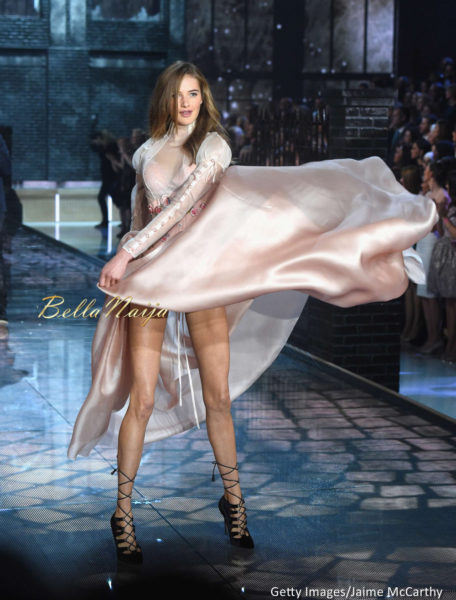 Victoria's-Secret-Fashion-Show-November-2015-BellaNaija0022