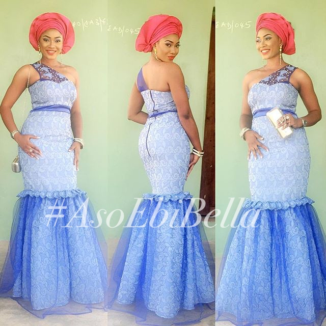 @kweens_couture, makeup and gele by @beautybyjaynne