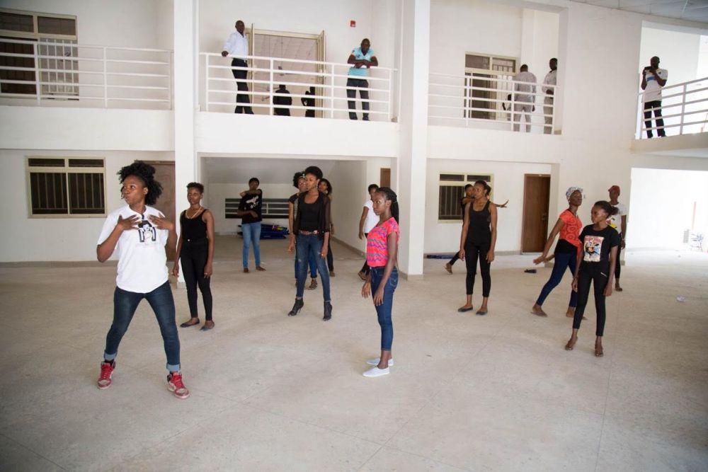 Dare2Dream University of Abuja Screening - BellaNaija - November2015003