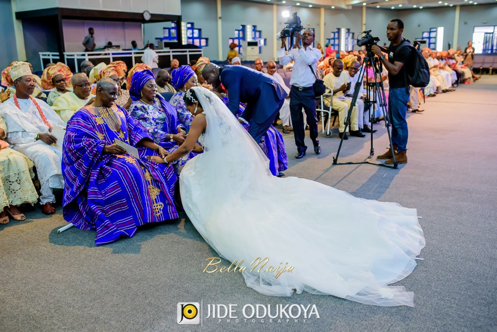 Folake Ajose & Danny Oshungboye_2706 Events_BellaNaija Weddings 2015_Jide Odukoya Photography_Folake-and-Danny-White-Wedding-10306