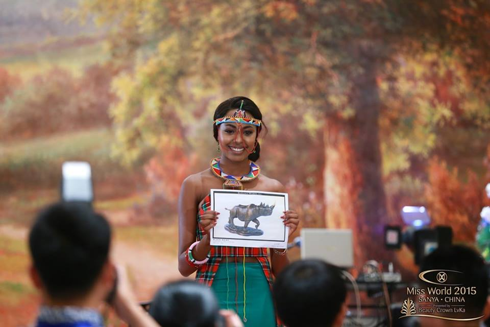 Kenya presenting her gift