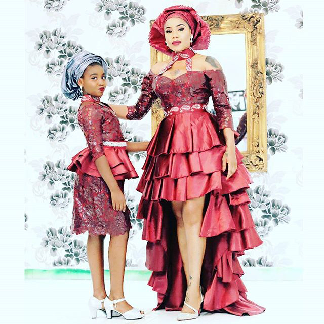 Mariam Adeyemi & John Timmer's Traditional Engagement_Lagos, Nigeria_ December 2015_Toyin Lawani and her daughter