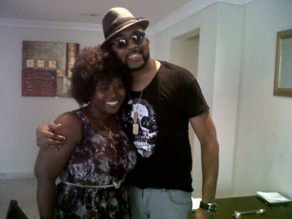 Those arms... See how Banky was struggling
