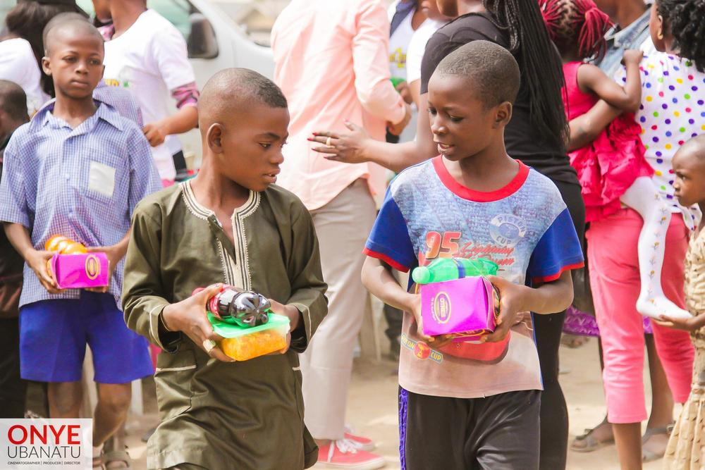 Heart 2 Feed Food Drive_2015_BellaNaija 10