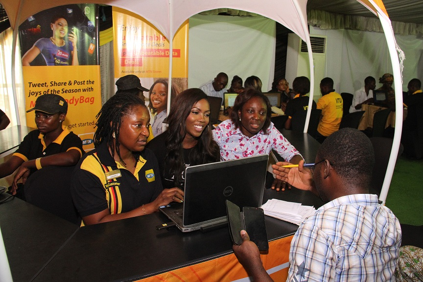 MTN Ambassadors Tiwa Savage & Saka register Subscribers at New Mega Registration Centres in Ibadan & Lagos