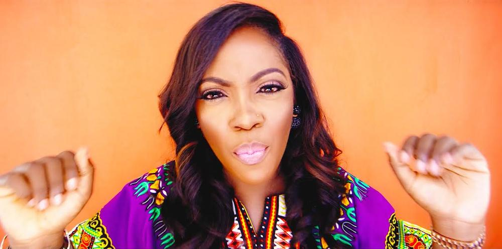 Tiwa Olamide Standing Ovation Video 4