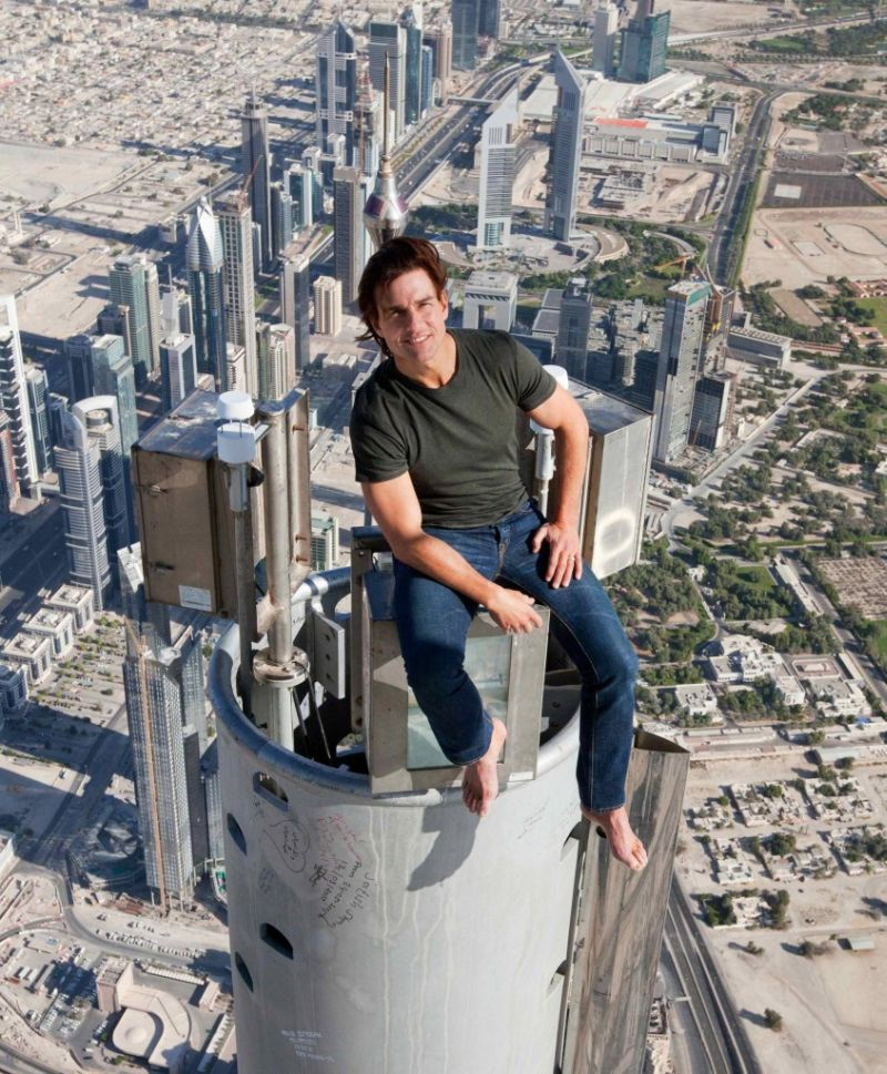Tom Cruise at the Burj Khalifa - BellaNaija - Janaury 2016