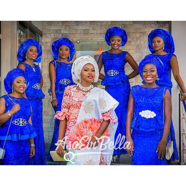@makeoverbyteju and her ladies, aso bi by @peerlessfabrics, photo by @qoopgallery