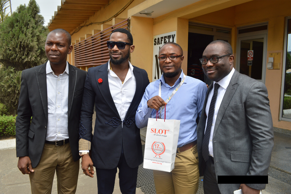 D'banj hand delivers phones for SLOT_Valentines_February 2016_DCS