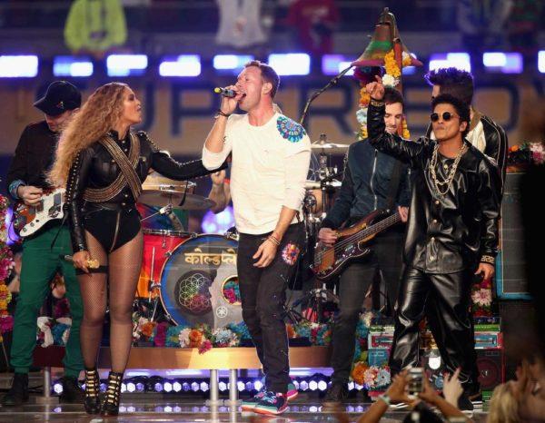 Super-Bowl-50-Beyonce-Coldplay-Mark-Ronson-February-2016-BellaNaija0008