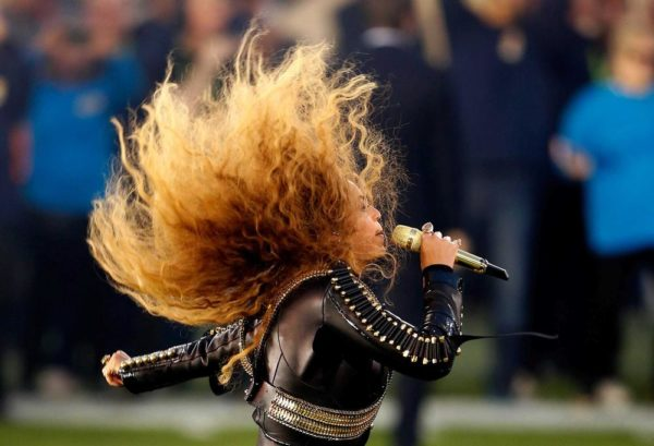 Super-Bowl-50-Beyonce-Coldplay-Mark-Ronson-February-2016-BellaNaija0014