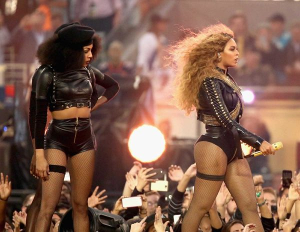 Super-Bowl-50-Beyonce-Coldplay-Mark-Ronson-February-2016-BellaNaija0015