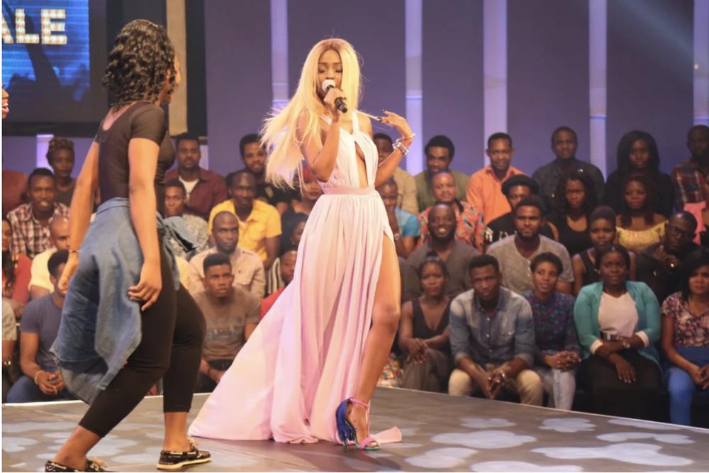 Vanessa Mdee performing