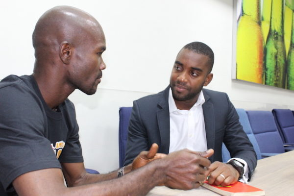 An SIP Fellow with an Accenture executive during the Strategy Clinic Session