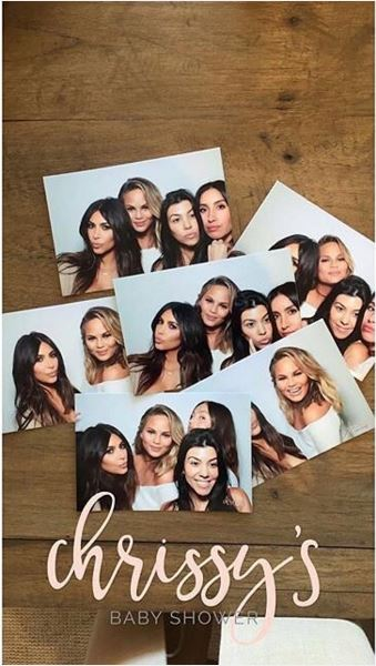 Chrissy Teigen Baby Shower (15)