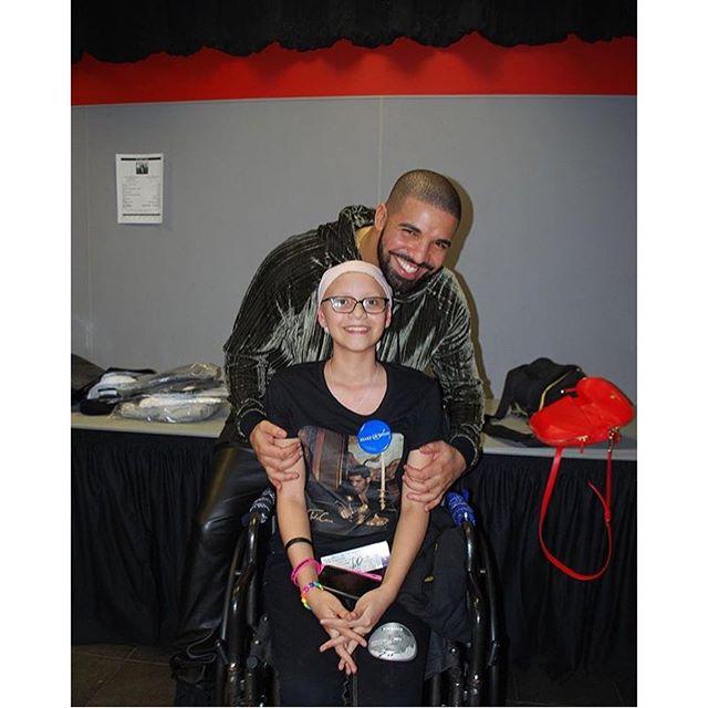 Drake Rihanna fan 2