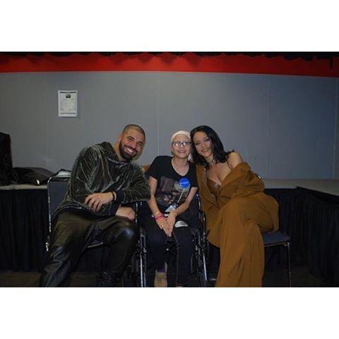 Drake Rihanna fan 3