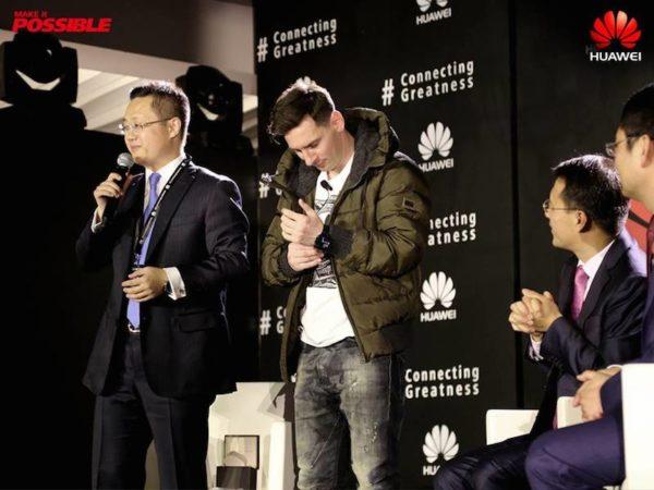 Huawei-Appoints-Messi-As-Ambassabor-March-2016-BellaNaija0013