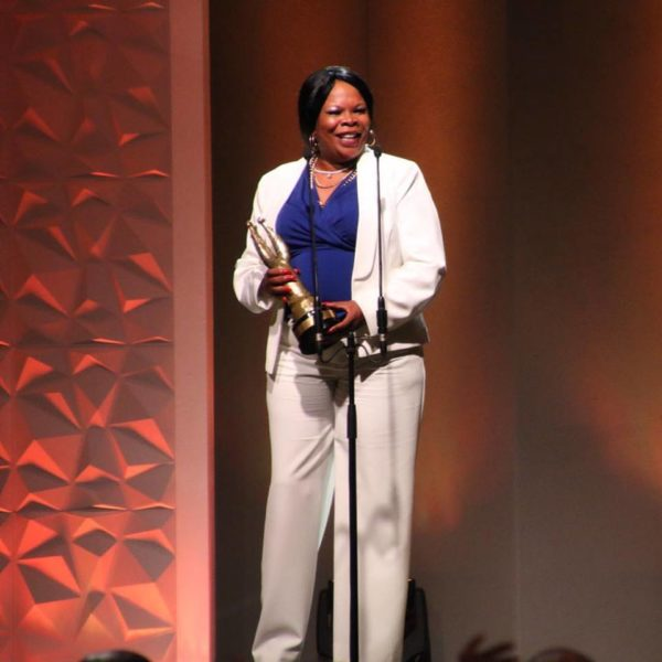 Linda Sebezo, Best Actress in a Supporting Role - TV COMEDY