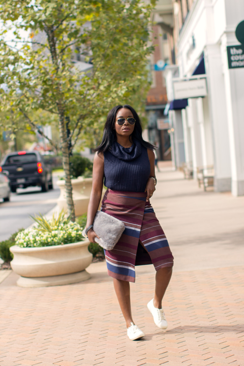 Millennielle-wearing-Oasis-Fashion-wrap-skirt-sleeveless-turtleneck-sweater-800x1200