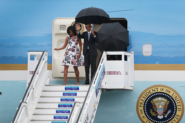 HAVANA, CUBA - MARCH 20:  U.S. President Barack Obama and Michelle Obama arrive at Jose Marti International Airport on Airforce One for a 48-hour visit on March 20, 2016 in Havana, Cuba.   Mr. Obama's visit is the first in nearly 90 years for a sitting president, the last one being Calvin Coolidge.  (Photo by Joe Raedle/Getty Images)