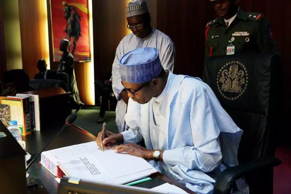 President-Buhari-Signing-the-condolence-register