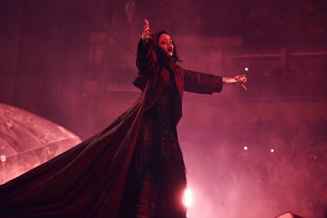 Rihanna-ANTi-World-Tour-March-2016-BellaNaija0021