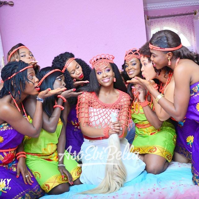 bride @enkay1010 and her friends