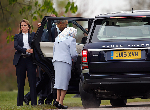 WINDSOR, ENGLAND - APRIL 22: Queen Elizabeth II and US President Barack Obama get into a car after he landed by helicopter at Windsor Castle for a private lunch on April 22, 2016. The President and his wife are currently on a brief visit to the UK where they will have lunch with HM Queen Elizabeth II at Windsor Castle and dinner with Prince William and his wife Catherine, Duchess of Cambridge at Kensington Palace. Mr Obama will visit 10 Downing Street on Friday afternoon where he is to hold a joint press conference with British Prime Minister David Cameron and is expected to make his case for the UK to remain inside the European Union. (Photo by Alastair Grant - WPA Pool/Getty Images)