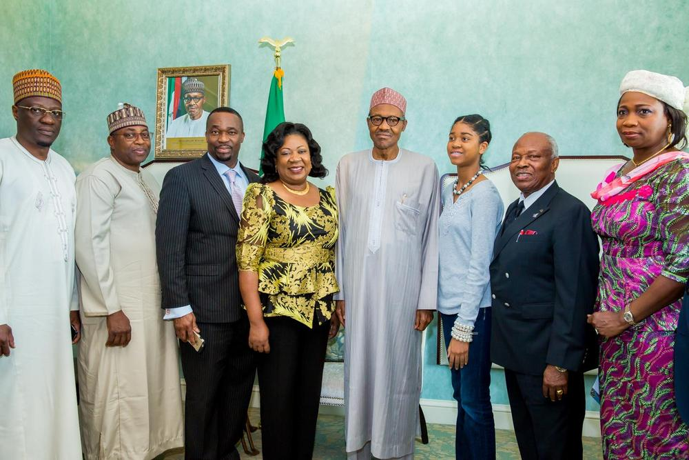 Buhari meets Nigerians 3