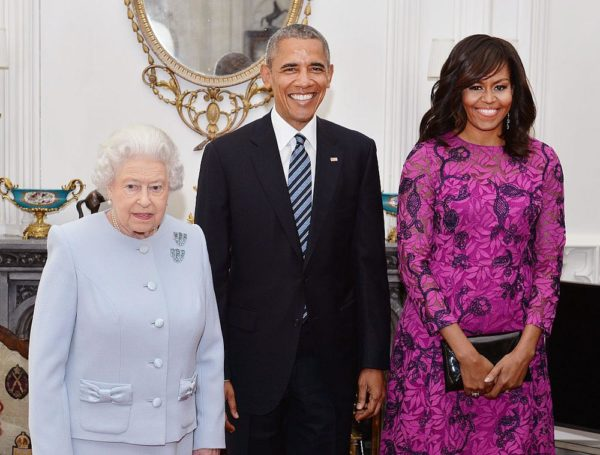 WINDSOR, ENGLAND - APRIL 22: Queen Elizabeth II (L) stands with US President Barack Obama and First Lady of the United States, Michelle Obama in the Oak Room at Windsor Castle ahead of a private lunch hosted by the Queen on April 22, 2016 in Windsor, England. The President and his wife are currently on a brief visit to the UK where they will have lunch with HM Queen Elizabeth II at Windsor Castle and dinner with Prince William and his wife Catherine, Duchess of Cambridge at Kensington Palace. Mr Obama will visit 10 Downing Street on Friday afternoon where he is to hold a joint press conference with British Prime Minister David Cameron and is expected to make his case for the UK to remain inside the European Union. (Photo by John Stillwell - WPA Pool/Getty Images)