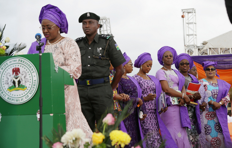 Wife of Lagos State Governor, Bolanle Ambode (2nd right); APC South-West Women Leader, Chief Kemi Nelson (right); Wife of Delta State Governor, Dame Edith Okowa (3rd right); Wife of Ogun State Governor, Olufunso Amosun (4th right); Wife of Osun State Governor, Alhaja Sherifat Aregbesola (3rd left); and Wife of the President, Hajiya Aisha Buhari