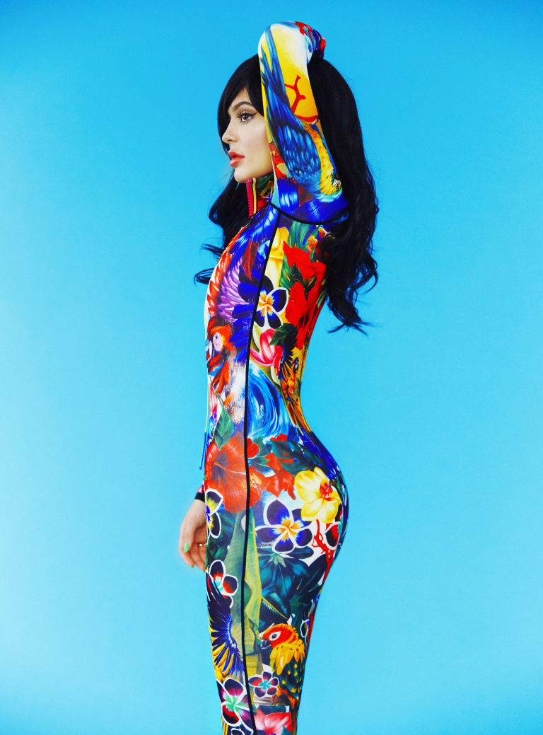 Kylie Jenner Paper Magazine 002
