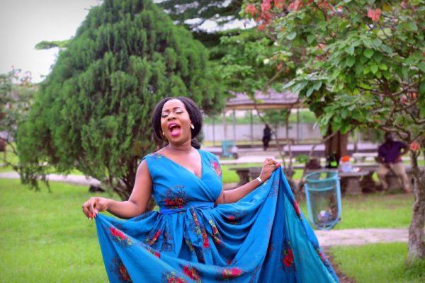 SisiYemmie Nigerian Food blogger