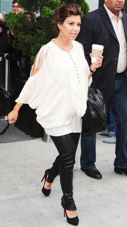 kourtney kardashian baby bump series bellanaija april2016_061214-KourtneyK-pregnant-3-567_0
