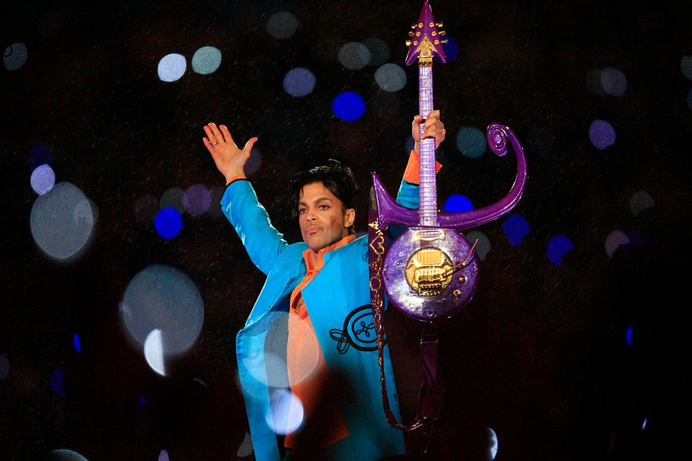 MIAMI GARDENS, FL - FEBRUARY 04: Prince performs during the 'Pepsi Halftime Show' at Super Bowl XLI between the Indianapolis Colts and the Chicago Bears on February 4, 2007 at Dolphin Stadium in Miami Gardens, Florida. (Photo by Jamie Squire/Getty Images)