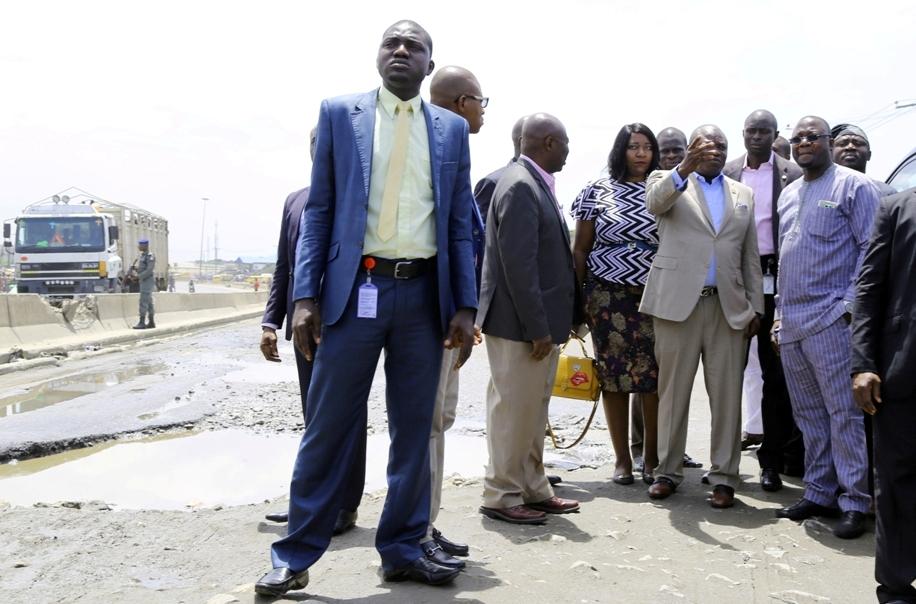 Akinwunmi Ambode on Apapa-Oshodi Expressway_May 2016 3